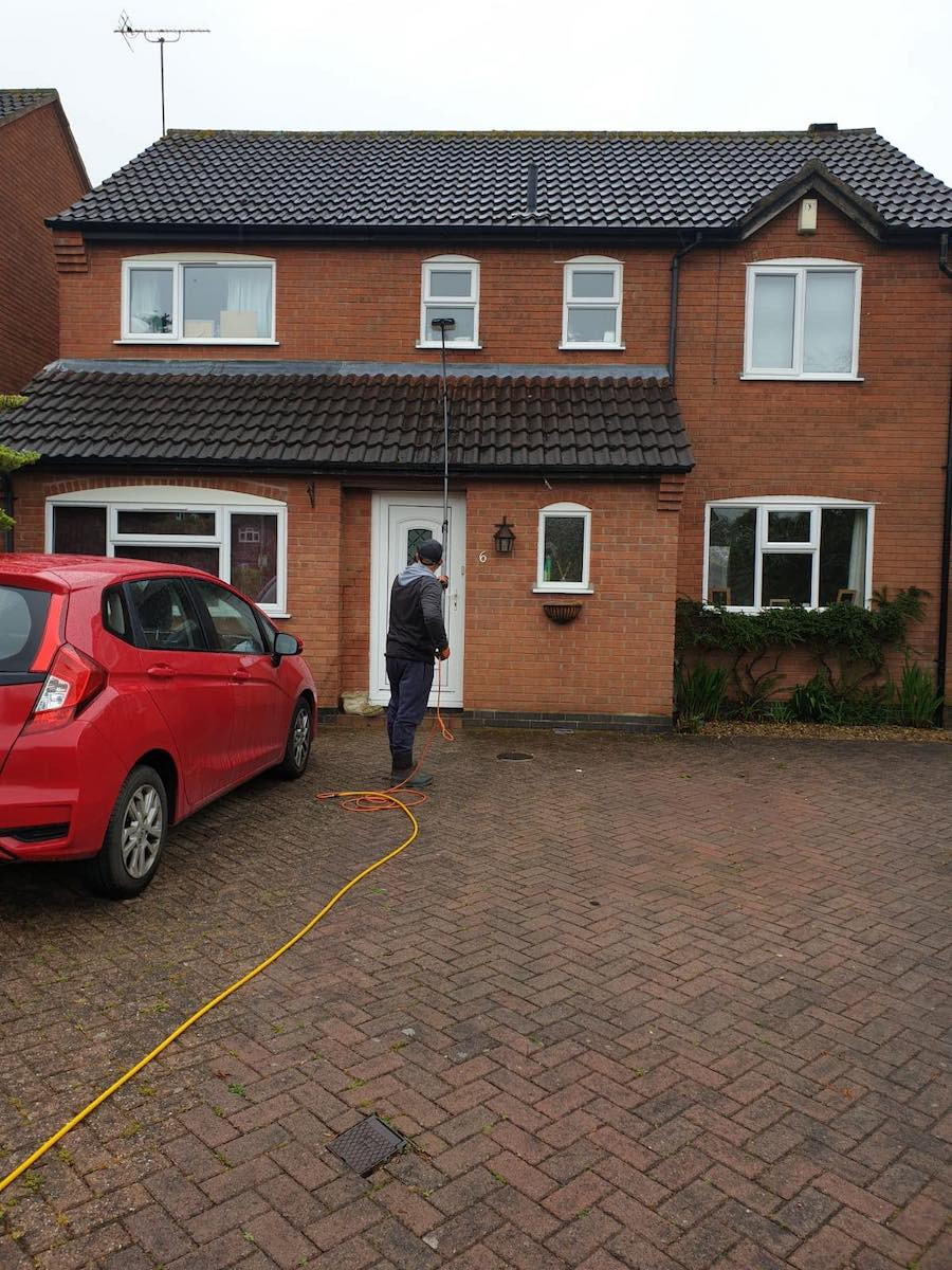 Clarity Reach & Wash Residential Window Cleaning Service for Homeowners